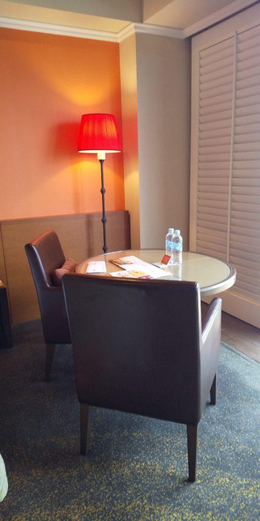 ホテル日航アリビラ スーペリアツイン テーブル